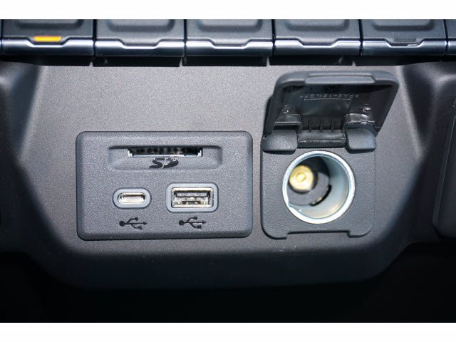 2021 Chevrolet Silverado 1500 Crew Cab 4x2, Pickup #210566 - photo 12
