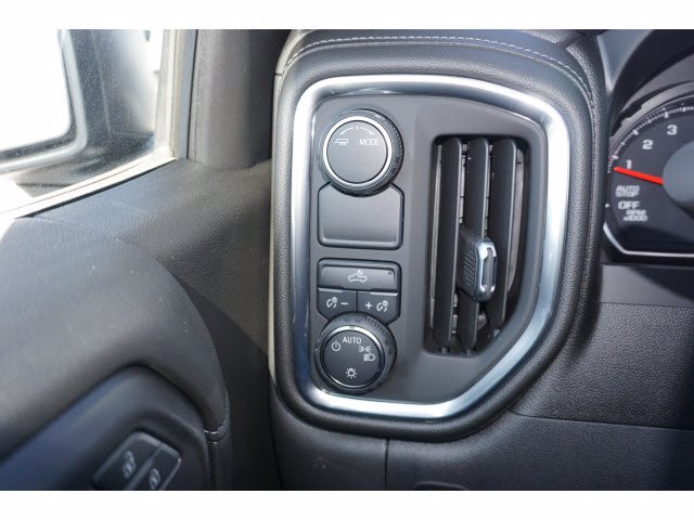2021 Chevrolet Silverado 1500 Crew Cab 4x2, Pickup #210566 - photo 17