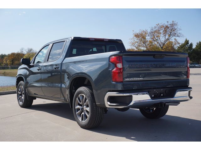 2021 Chevrolet Silverado 1500 Crew Cab 4x2, Pickup #210566 - photo 2