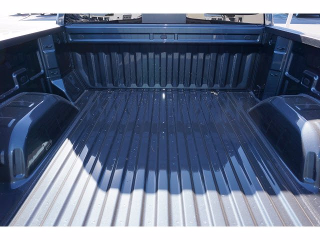 2021 Chevrolet Silverado 1500 Crew Cab 4x2, Pickup #210591 - photo 19