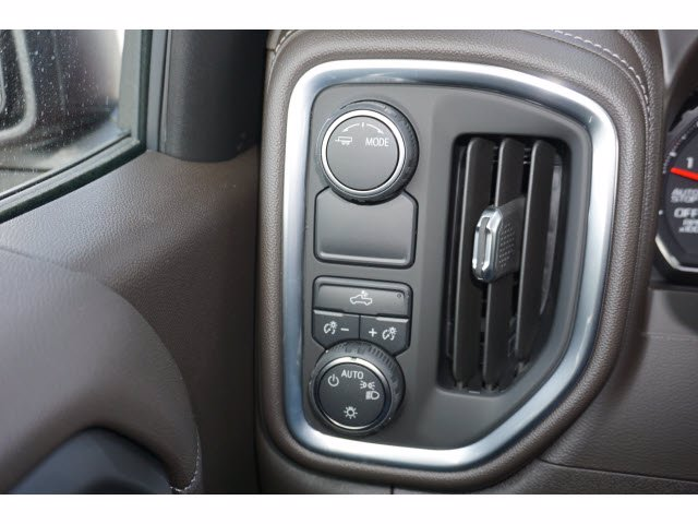 2021 Chevrolet Silverado 1500 Crew Cab 4x2, Pickup #210599 - photo 17