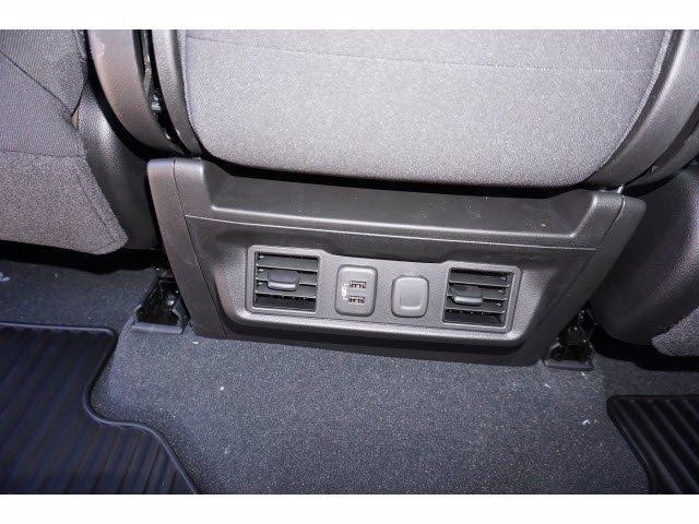 2021 Chevrolet Silverado 1500 Crew Cab 4x2, Pickup #211372 - photo 17
