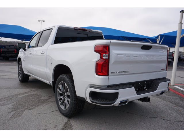 2021 Chevrolet Silverado 1500 Crew Cab 4x4, Pickup #211494 - photo 2