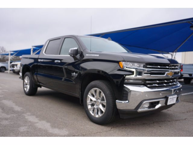 2021 Chevrolet Silverado 1500 Crew Cab 4x2, Pickup #211553 - photo 3