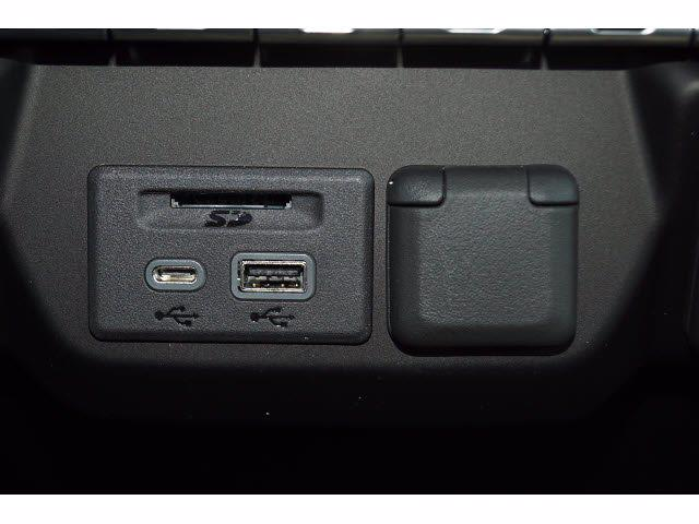 2021 Chevrolet Silverado 1500 Crew Cab 4x2, Pickup #211575 - photo 8