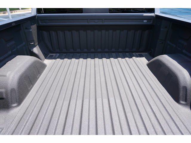 2020 Chevrolet Silverado 1500 Crew Cab 4x4, Pickup #211797B1 - photo 19