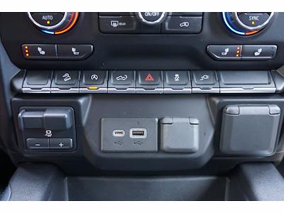 2020 Chevrolet Silverado 1500 Crew Cab 4x4, Pickup #211797B1 - photo 11