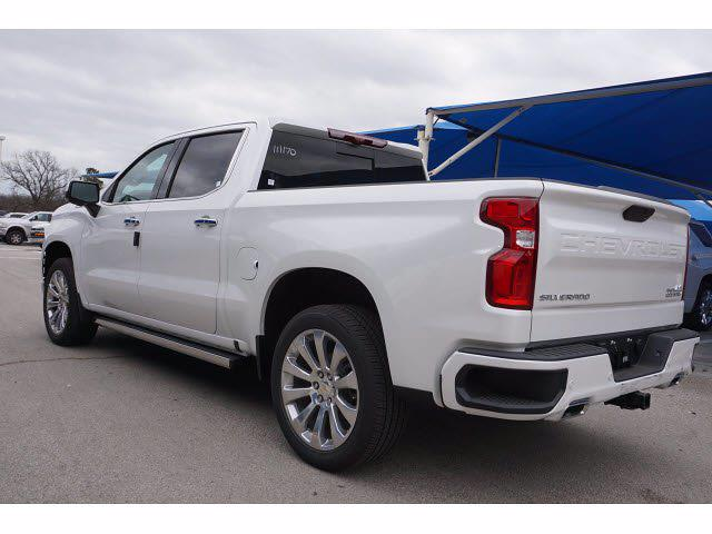 2021 Chevrolet Silverado 1500 Crew Cab 4x4, Pickup #211888 - photo 2