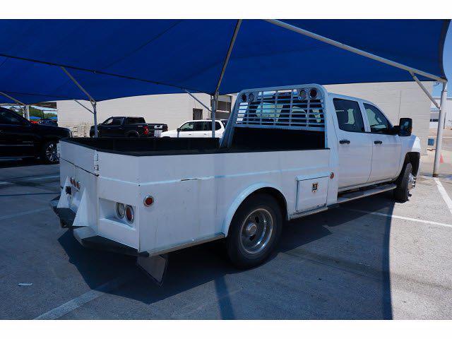 2018 Chevrolet Silverado 3500 Crew Cab DRW 4x4, Hauler Body #212000A1 - photo 2