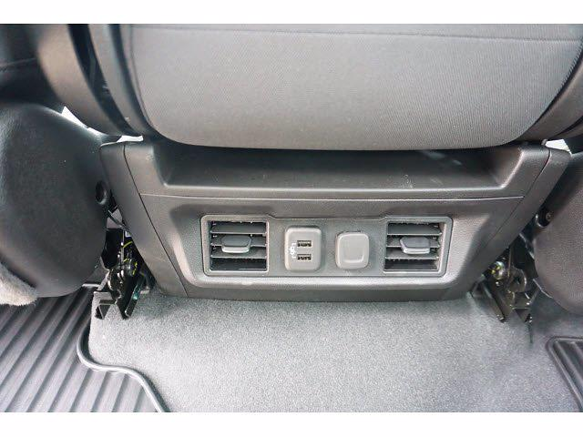 2021 Chevrolet Silverado 1500 Crew Cab 4x4, Pickup #212195 - photo 17