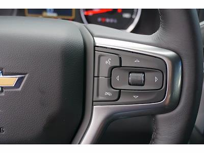 2021 Chevrolet Silverado 1500 Crew Cab 4x4, Pickup #212266 - photo 17