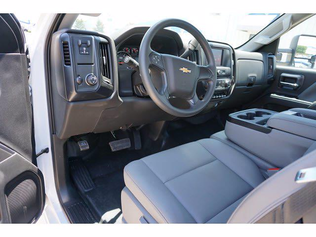 2021 Chevrolet Silverado 5500 Regular Cab DRW 4x2, General Truck Body Gooseneck Platform Body #212342 - photo 10