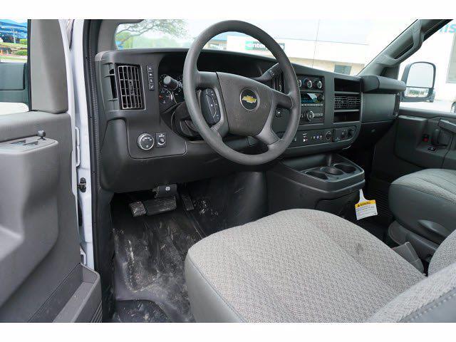 2021 Chevrolet Express 3500 4x2, Morgan Cutaway Van #212379 - photo 13