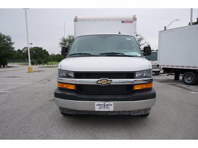 2021 Chevrolet Express 3500 4x2, Morgan Cutaway Van #212380 - photo 3