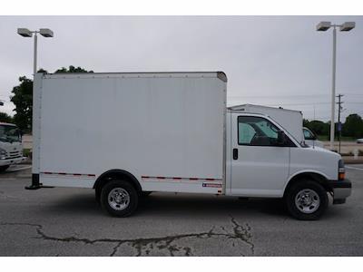 2021 Chevrolet Express 3500 4x2, Morgan Cutaway Van #212380 - photo 5