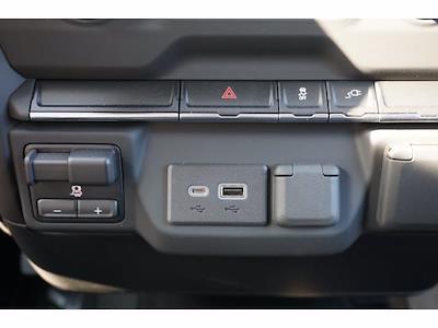 2021 Chevrolet Silverado 3500 Crew Cab AWD, CM Truck Beds Dealers Truck Platform Body #212389 - photo 19