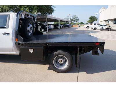 2021 Chevrolet Silverado 3500 Crew Cab AWD, CM Truck Beds Dealers Truck Platform Body #212389 - photo 9