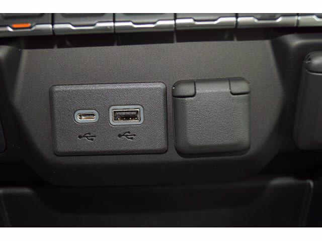 2021 Chevrolet Silverado 1500 Crew Cab 4x4, Pickup #212457 - photo 13