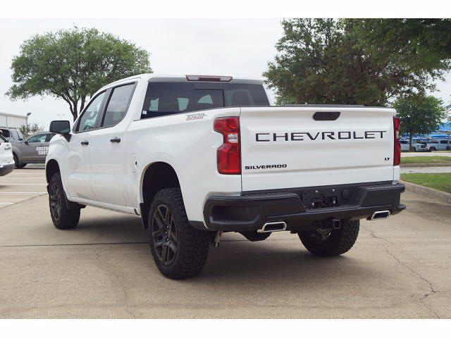2021 Chevrolet Silverado 1500 Crew Cab 4x4, Pickup #212457 - photo 2