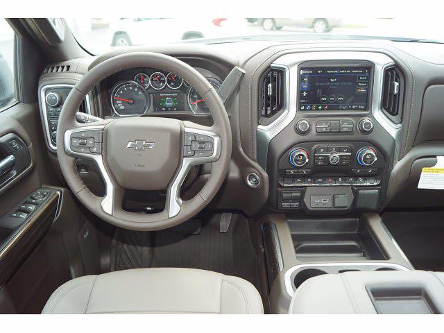 2021 Chevrolet Silverado 1500 Crew Cab 4x4, Pickup #212457 - photo 5