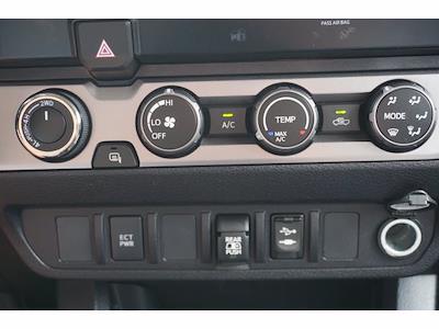 2019 Toyota Tacoma Double Cab 4x4, Pickup #212576A1 - photo 10