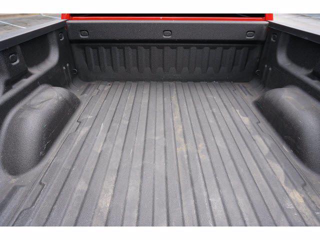 2018 Chevrolet Silverado 1500 Crew Cab 4x4, Pickup #212653A1 - photo 16