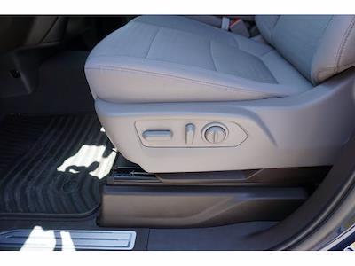 2021 Chevrolet Silverado 1500 Crew Cab 4x2, Pickup #212939A1 - photo 17