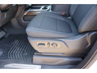 2021 Chevrolet Silverado 1500 Crew Cab 4x2, Pickup #213109 - photo 17