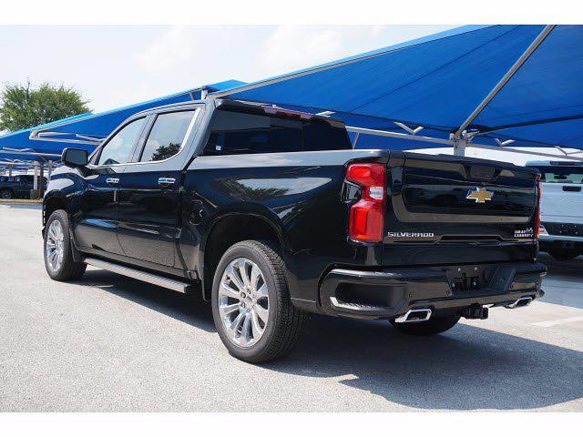 2021 Chevrolet Silverado 1500 Crew Cab 4x4, Pickup #213137 - photo 2