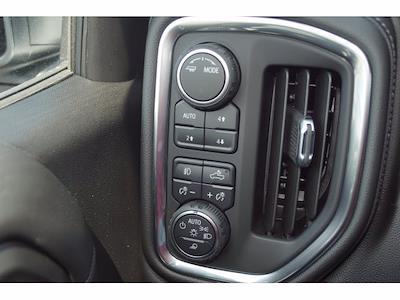 2021 Chevrolet Silverado 1500 Crew Cab 4x4, Pickup #213142 - photo 18