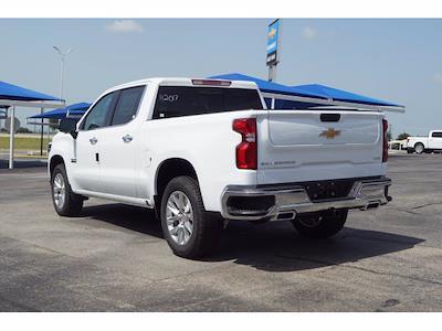 2021 Chevrolet Silverado 1500 Crew Cab 4x4, Pickup #213142 - photo 2