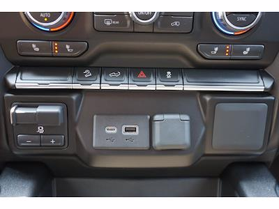 2021 Chevrolet Silverado 1500 Crew Cab 4x4, Pickup #213156 - photo 11