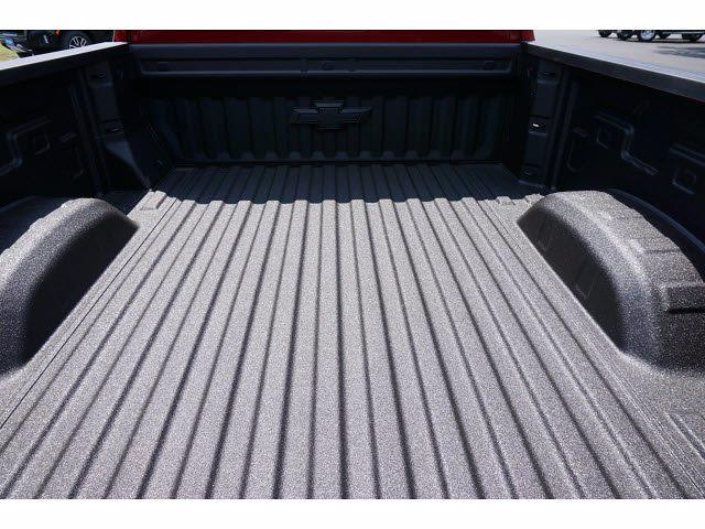 2021 Chevrolet Silverado 2500 Crew Cab 4x4, Pickup #213164 - photo 20