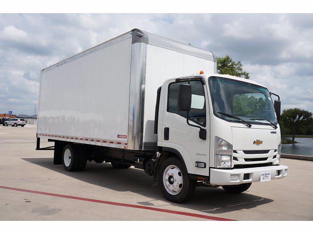 2021 LCF 4500 Regular Cab 4x2,  Morgan Truck Body Gold Star Dry Freight #213165 - photo 4