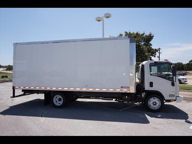 2021 LCF 4500 Regular Cab 4x2,  Morgan Truck Body Gold Star Dry Freight #213167 - photo 5