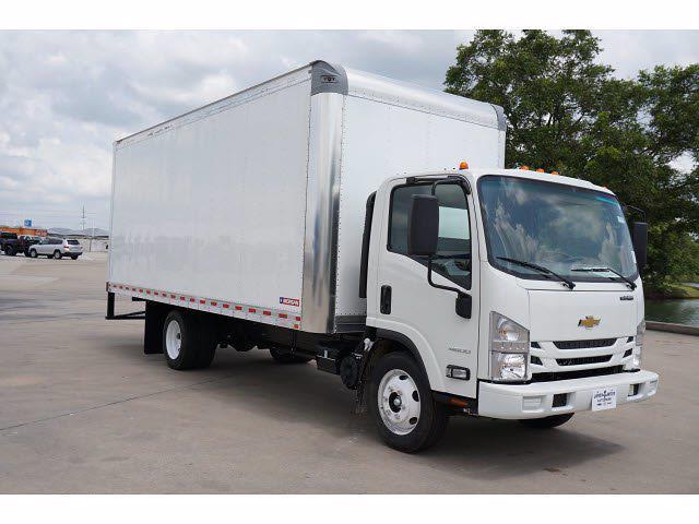2021 LCF 4500 Regular Cab 4x2,  Morgan Truck Body Gold Star Dry Freight #213171 - photo 4