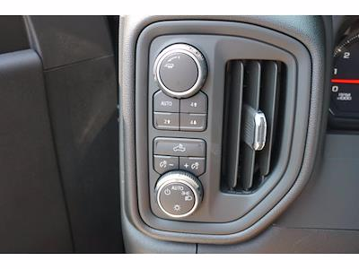 2021 Chevrolet Silverado 1500 Crew Cab 4x4, Pickup #213175 - photo 10