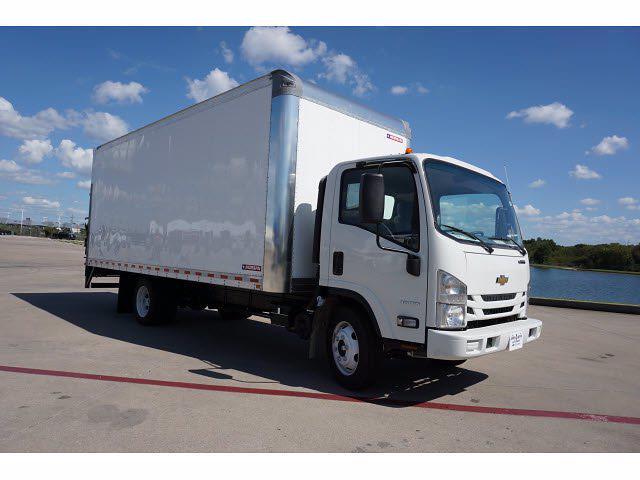 2021 LCF 4500 Regular Cab 4x2,  Morgan Truck Body Dry Freight #213413 - photo 4