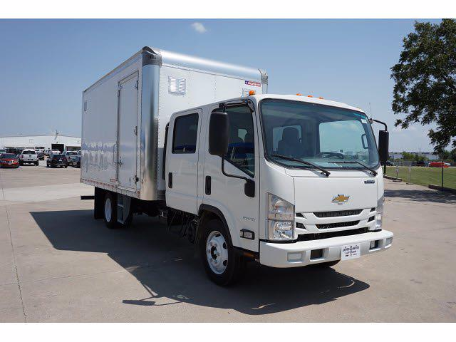2021 LCF 4500 Crew Cab 4x2,  Morgan Truck Body Dry Freight #213433 - photo 4
