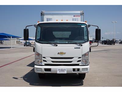 2021 LCF 4500 Crew Cab 4x2,  Morgan Truck Body Dry Freight #213433 - photo 3