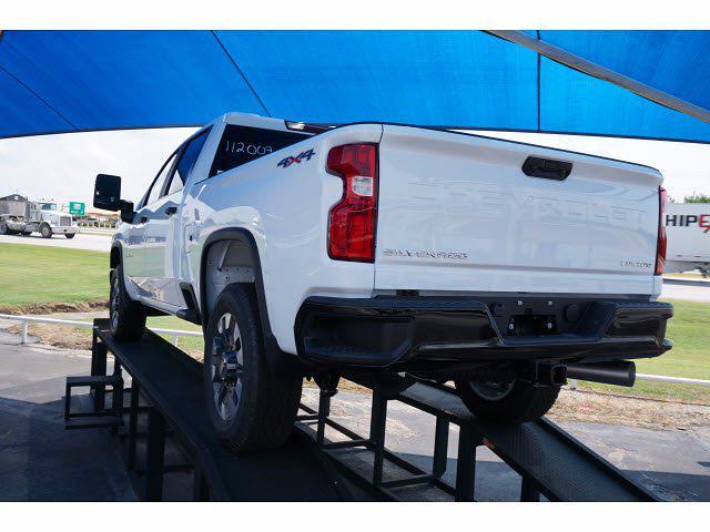 2021 Chevrolet Silverado 2500 Crew Cab 4x4, Pickup #213957 - photo 2
