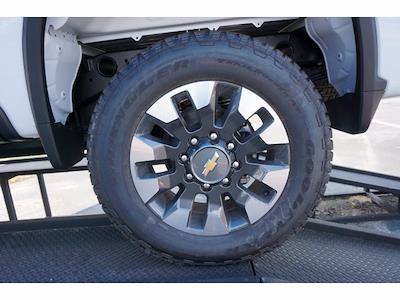 2021 Chevrolet Silverado 2500 Crew Cab 4x4, Pickup #213957 - photo 20