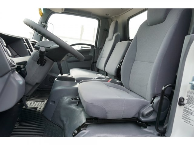 2018 LCF 4500 Regular Cab 4x2, Supreme Signature Van Dry Freight #284169 - photo 9
