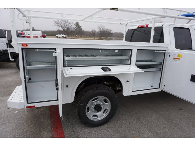 2019 Silverado 2500 Double Cab 4x2,  Cab Chassis #291562 - photo 3