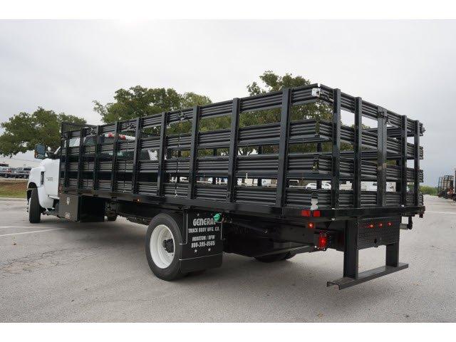 2019 Chevrolet Silverado 5500 Regular Cab DRW RWD, General Truck Body Stake Bed #293637 - photo 2