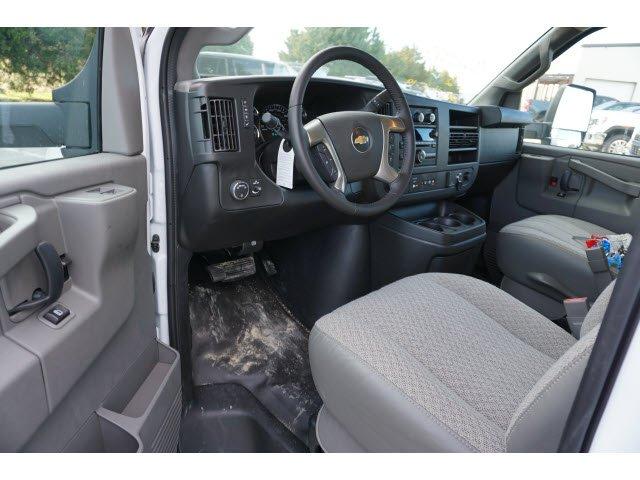 2019 Express 3500 4x2, Supreme Iner-City Cutaway Van #294158 - photo 4