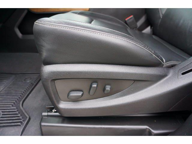 2019 Chevrolet Silverado 3500 Crew Cab 4x4, Platform Body #P17546 - photo 16
