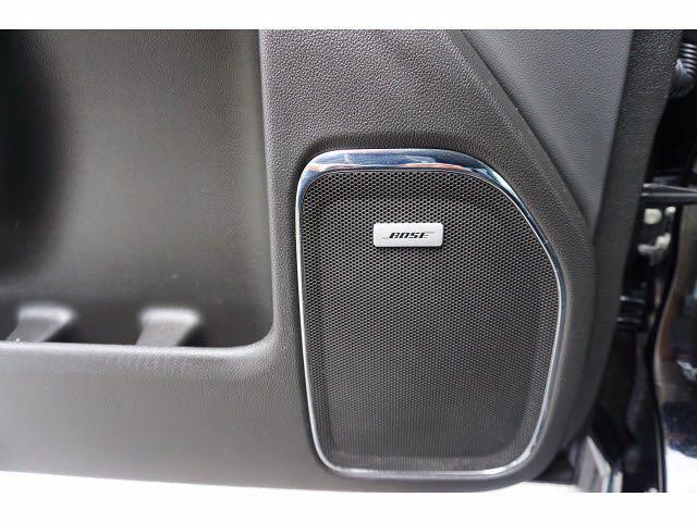 2019 Chevrolet Silverado 3500 Crew Cab 4x4, Platform Body #P17546 - photo 17