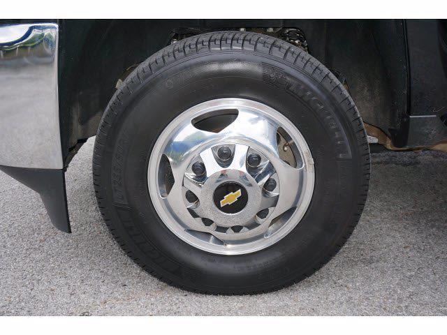 2019 Chevrolet Silverado 3500 Crew Cab 4x4, Platform Body #P17546 - photo 20