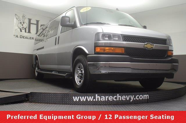 2019 Chevrolet Express 3500 4x2, Passenger Wagon #K1149032 - photo 1